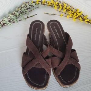 Hillard & Hanson Wedge Sandals